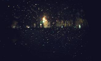 我见过凌晨六点下着雨的街
