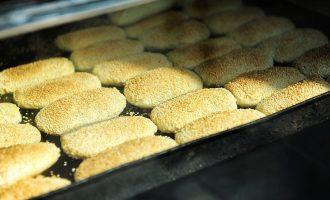南京街头的鸭油烧饼