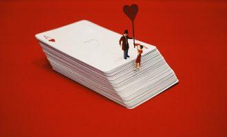 一纸情书:恋人和朋友的本质区别是什么?